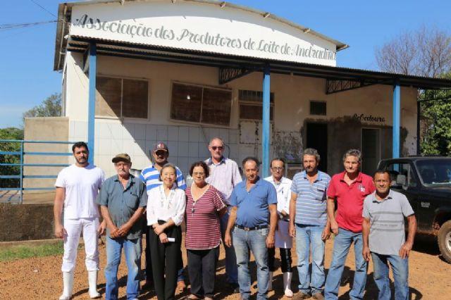 Tamiko anuncia calçamento de toda área externa do pátio da Associação dos Produtores de Leite de Andradina