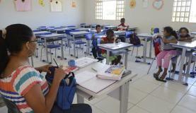Alfabetização de alunos estagnou  entre 2014 e 2016 no Brasil  Arquivo/Agência Brasil