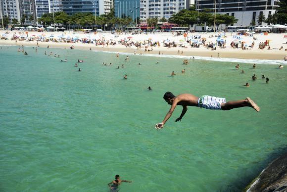 Em dia de alta temperatura, cariocas e turistas enchem praias da zona sul da cidadeTomaz Silva/Agência Brasil