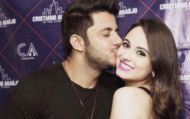 Cristiano Araújo e a namorada Allana, que morreu no acidente de carro desta madrugada (24). Foto: Reprodução/Instagram