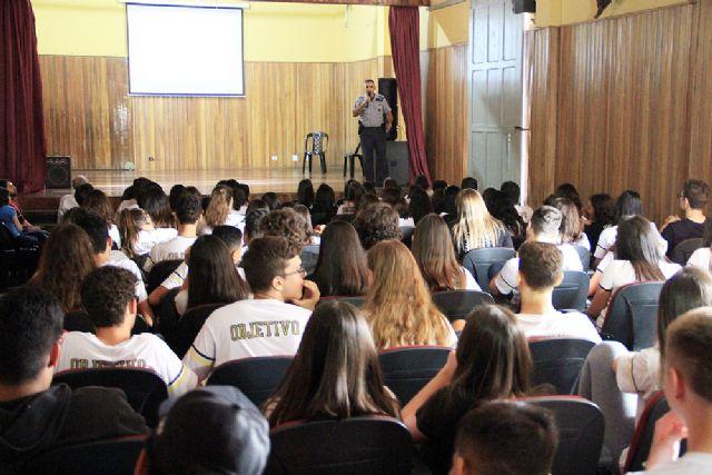 Alunos recebem orientações na Semana do Trânsito de Andradina